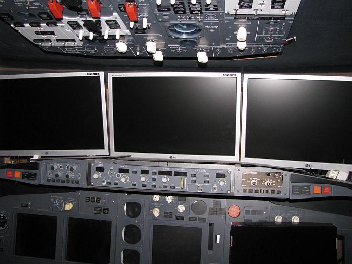 IMG JONG Cockpit01
